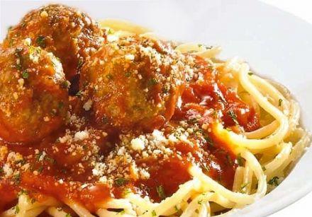spaghetti aux boulettes de viande recette sur. Black Bedroom Furniture Sets. Home Design Ideas
